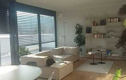 Licht und Luft - großzügige Penthouse-Wohnung in ruhiger und zentrumsnaher Lage