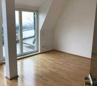 # Super Wohnung mit Klimagerät, EBK & Balkon #