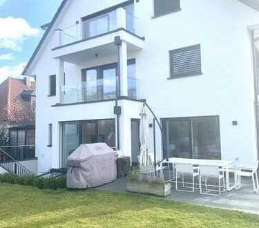 Aussergewöhnlich helle und großzügige Doppelhaushälfte mit 6 Zimmern in Bestlage München-Freimann