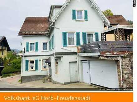 Vielseitig nutzbares Mehrfamilienhaus mit Ausbaureserven