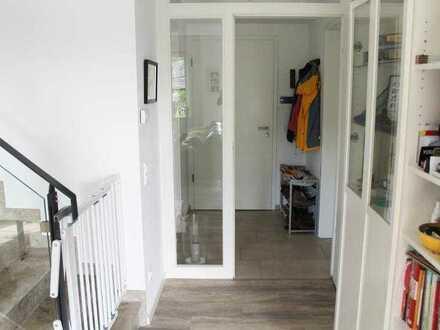 Neuwertige Maisonette-Wohnung top gelegen!