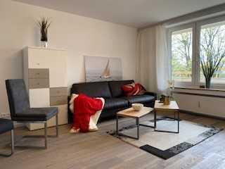 Komplett neu sanierte und neu möblierte 2-Zimmer-Wohnung