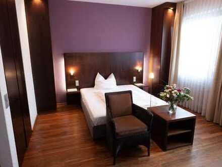 Stilvolle, möblierte 1-Zimmer-Wohnung mit Reinigungsservice in Homburg