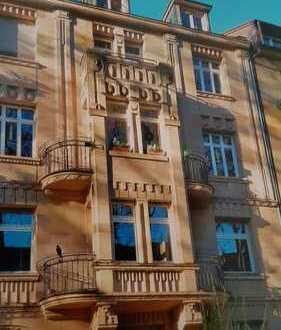 Stilvolle, vollständig renovierte 4-Zimmer-Wohnung mit Balkon und EBK in Mannheim