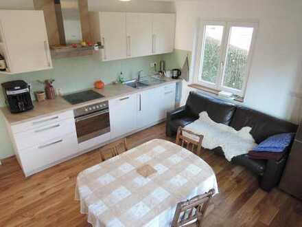Freundliche Haus-WG: Wohnküche, Parkettboden, großer Garten, guter ÖPNV