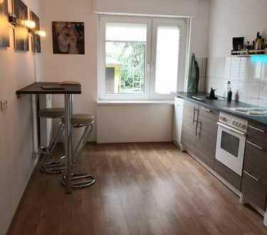 RENOVIERTE 1-Zimmer-Wohnung   Tageslicht Bad mit Wanne   GE-Horst