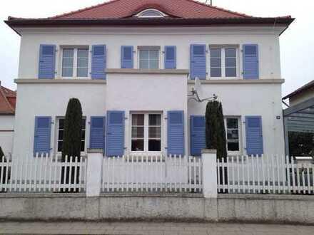 Schönes, gehobenes Haus im Bauhausstil mit sieben Zimmern in Ludwigshafen am Rhein, Oggersheim
