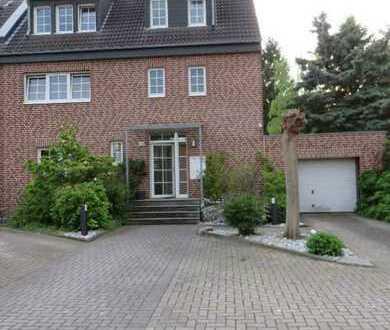 Erstbezug nach Sanierung: 3-Zimmer-Wohnung mit großem Balkon in Düsseldorf - Unterrath