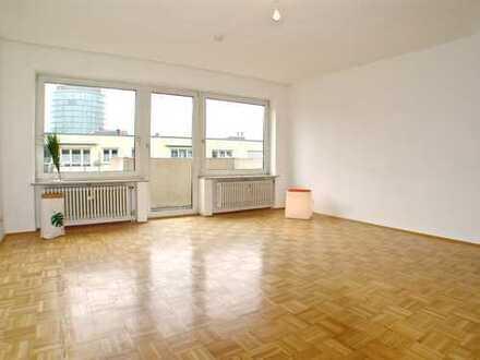 ZENTRALE CITY-LAGE IN MÜNCHEN-NEUHAUSEN I Großzügige 1-Zimmer-Wohnung mit Balkon