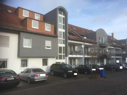Vermietete 3-Zimmer Dachgeschosswohnung inklusive Tiefgarage und Stellplatz