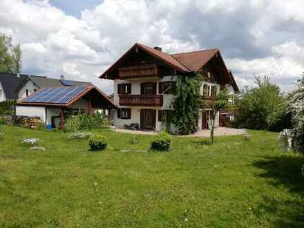 Großzügige Doppelhaushälfte in zentraler Lage in Dießen am Ammersee