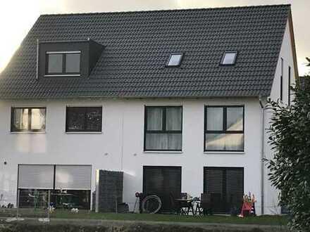 Neubau von einer attraktiven und modernen Doppelhaushälfte mit 160 m² Wfl. inkl. 327 m² Grundstück