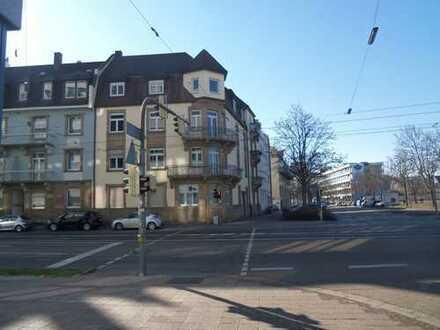 TOP Lage Schnuckelige Altbau Wohnung mit EBK