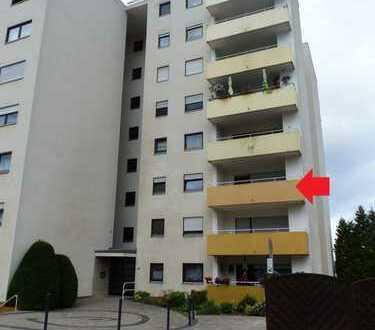 Neu renovierte 3-Zimmer-Wohnung mit Balkon und PKW-Abstellplatz