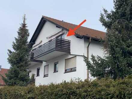 ++RESERVIERT++ Gemütliche Dachgeschosswohnung mit großem Balkon und PKW-Stellplatz in Topp Wohnlage