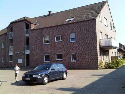 Gemütliche 2- Zimmer Dachgeschosswohnung mit Südbalkon in zentraler Lage von Hamminkeln-Mehrhoog