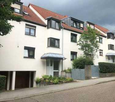 Stilvolle, gepflegte 3-Zimmer-Wohnung mit Balkon in Stuttgart-Stammheim