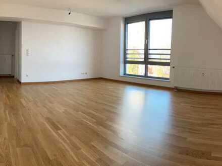 Hochwertig ausgestattete 3-Zimmer Wohnung im Dachgeschoss