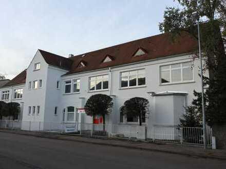 Büro, Atelier, Ausstellung im Charme historischer Gebäude