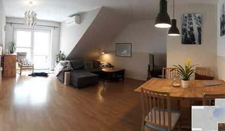 Smart Home, Stilvolle, vollständig renovierte 3-Zimmer-DG-Wohnung mit Balkon und EBK in Schaafheim