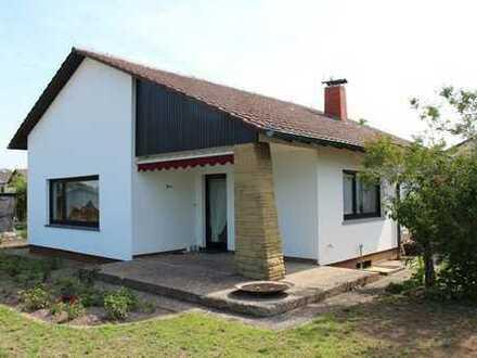 Eingeschossiges, freistehendes Einfamilienhaus
