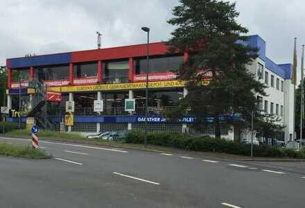 Düsseldorf-Garath: Multifunktionelle Gewerbeimmobilie ohne Leerstand!