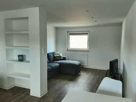 Erstbezug nach Sanierung: exklusive 2-Zimmer-DG-Wohnung mit gehobener Innenausstattung in Maintal