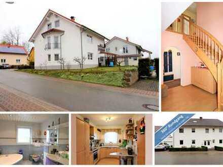 Wohnen und gleichzeit vermieten - Klasse Zweifamilienhaus in sehr gutem Zustand mit viel Platz