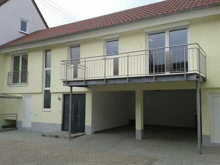 Neuwertige 2-Zimmer-Wohnung mit Balkon und Einbauküche in Freckenfeld