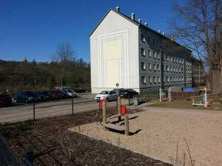 2 Raum Wohnung, 4 Etage mit Burg-Blick neu renoviert