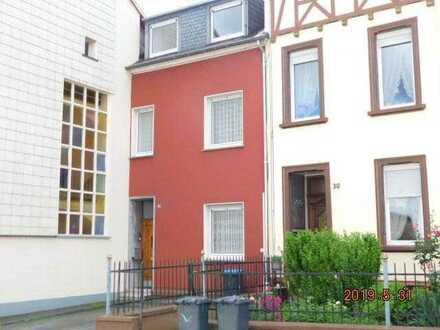 Trier- Kürenz/Ost -…Reihenhaus mit 7 Zimmern, 2 Bädern und eigenem Garten zu vermieten