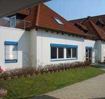 1 Zimmer-Single-Wohnung mit Dachterrasse, neue Küche, neue Böden