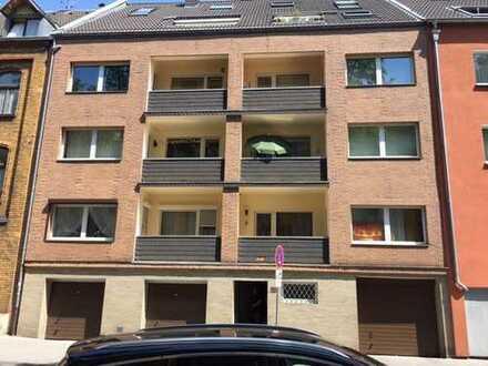 Modernisierte 3-Zimmer-Wohnung mit Loggia in Köln Buchheim