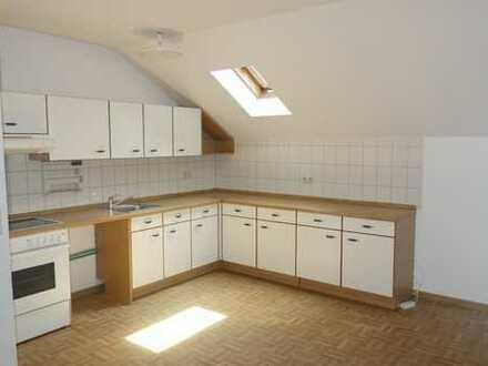 Schöne 3-Zimmer-DG-Wohnung in ruhiger Lage in Wertheim