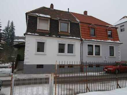 1-2 Familienhaus in St. Ingbert, WG und Familie und Kinder und Haustier willkommen...
