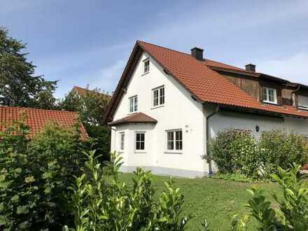 Schöne Doppelhaushälfte mit fünf Zimmern in Unterallgäu (Kreis), Babenhausen