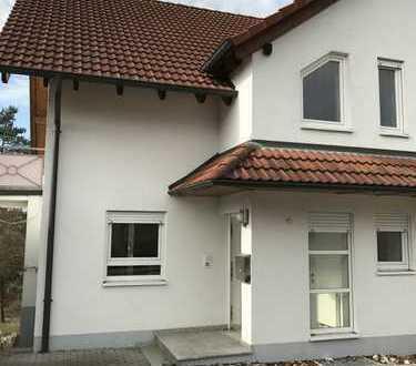 Vermiete Doppelhaushälfte mit Caport