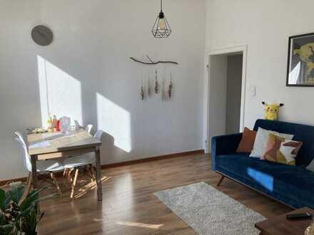 Exklusive, gepflegte 2-Zimmer-Wohnung mit Einbauküche in Humboldt/Gremberg, Köln