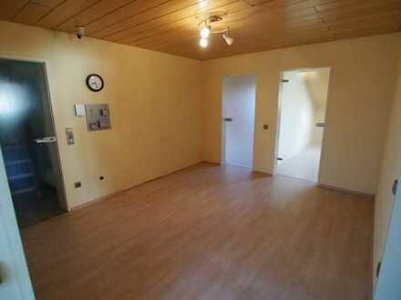 Schöne, geräumige drei Zimmer Wohnung in Heilbronn-Klingenberg