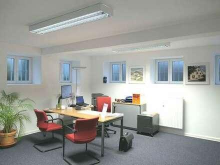 Moderne Bürofläche mit ausreichend Stellplätzen in guter Lage von Coburg