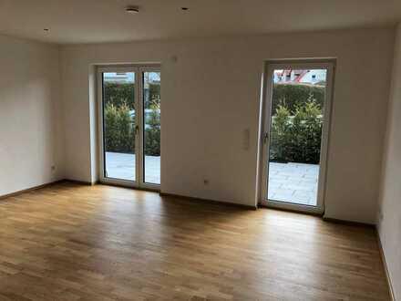 Moderne und helle Drei-Zimmer Gartenwohnung in Windach