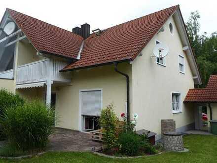 Ein-/Zweifamilienhaus in Mintraching