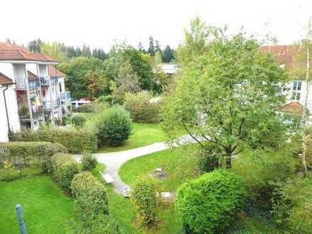 Provisionsfrei! Penzberg tolles 1 Zimmer Dachgeschoss Apartment mit großem Südbalkon in ruhiger Lage