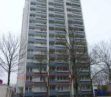 **Langfristig vermietete 3-Zimmer-Wohnung mit Balkon und Tiefgarage in München - Feldmoching **