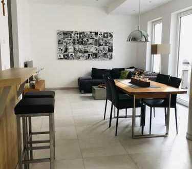 Luxus City Loft mit Einbauküche, Patio und Garage in sehr ruhiger Aschaffenburger Innenstadtlage