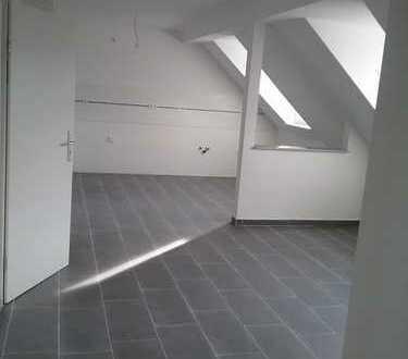 Sanierte 3-Raumwohung im Dachgeschoss