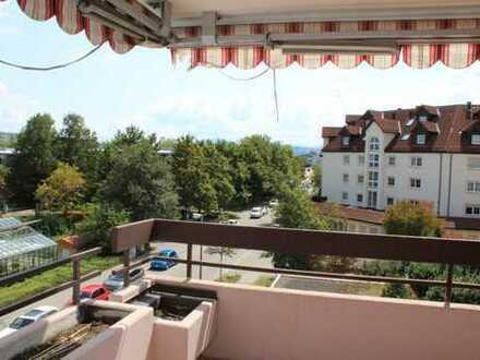 Sehr schöne, renovierte 3-Zimmer-Wohnung mit Bergblick in Zentrumslage von Kempten (Allgäu)