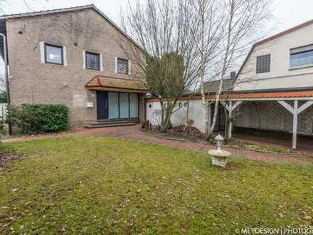 ***Freistehendes Einfamilienhaus mit Garage und Carport in Zentrale Lage vom Zentrum von Gronau***