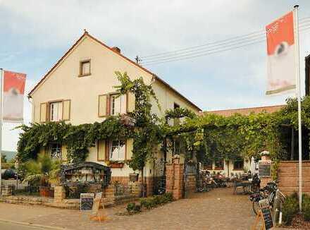 gemütliche Weinstube mit romantischenm Innhof zu vermieten