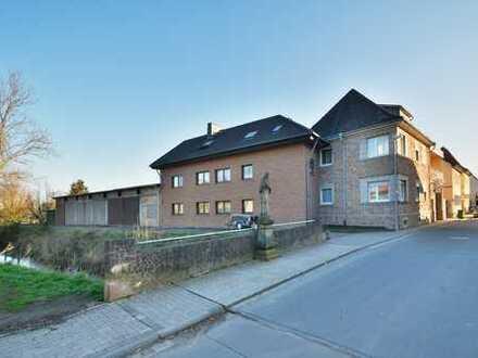 Ehemaliges Weingut mit 3 Häusern, Gutschänke und großer Betriebshalle in Toplage von Gau-Bickelheim